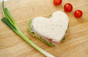 Дискусия и сандвичи с обич в кв. Факултета